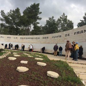Groupe du Club'S au mémorial de la déportation des juifs de France