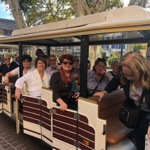 Groupe du Club's dans un tramway